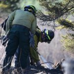 lake-hattie-fire-2016-firefighters-mopping-up